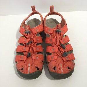Keen peach waterproof closed toe sandals, 8